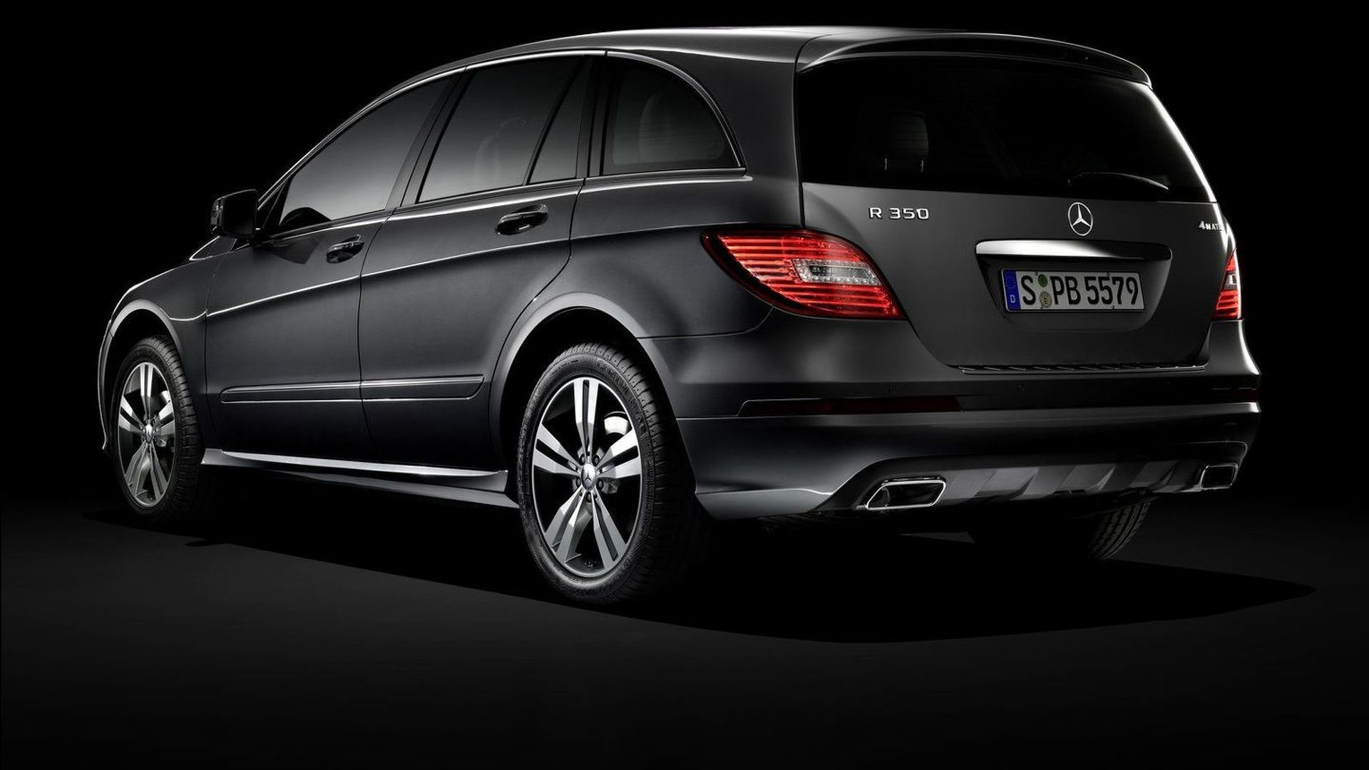 Second generation Mercedes-Benz R-Class being considered as global model