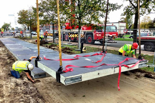 Amsterdam Gets World's First Solar Bike Path