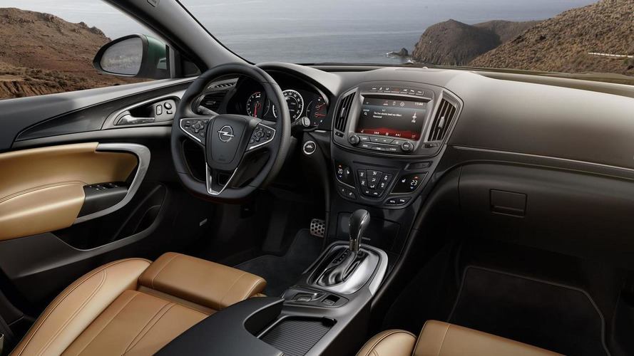 Opel releases 2014 Insignia & Insignia Country Tourer footage