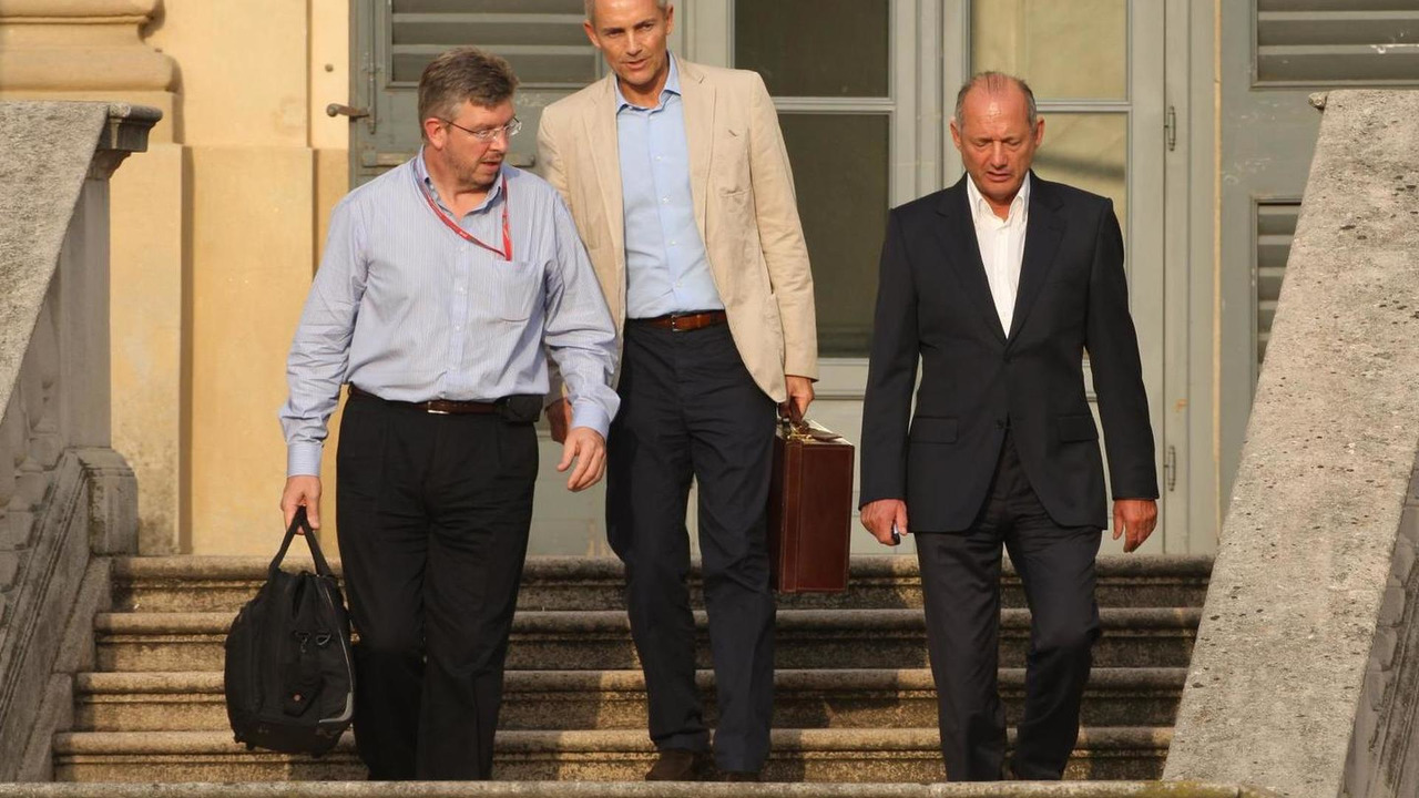 Ross Brawn with Martin Whitmarsh and Ron Dennis for FOTA meeting 11.09.2008 Italian Grand Prix