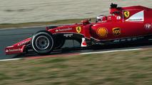 Ferrari not expecting 2015 title bid - boss