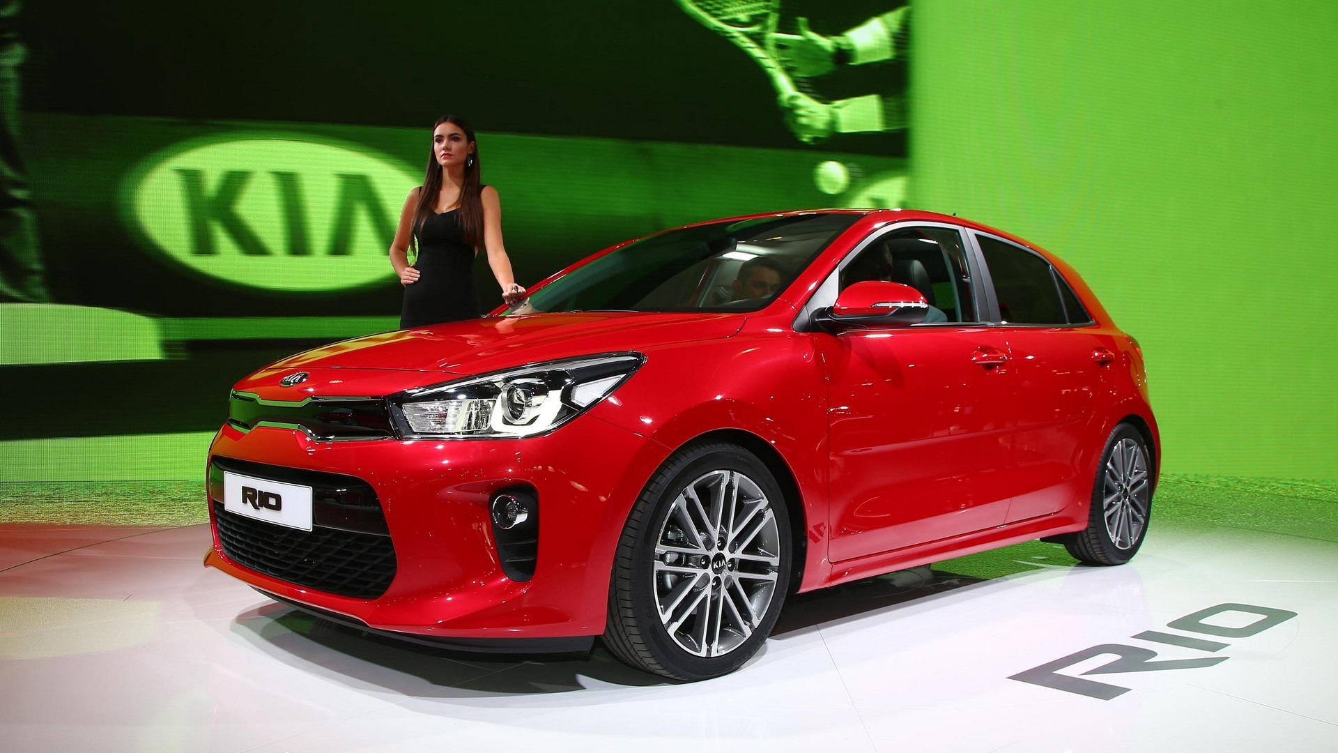 2017 kia rio shows off longer wider body in paris. Black Bedroom Furniture Sets. Home Design Ideas