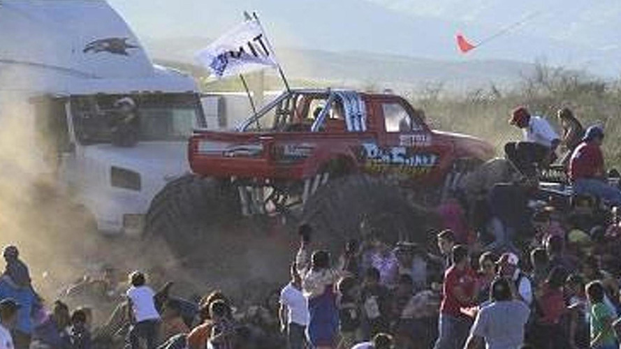 Monster truck ploughs into crowd killing 8 people [video]