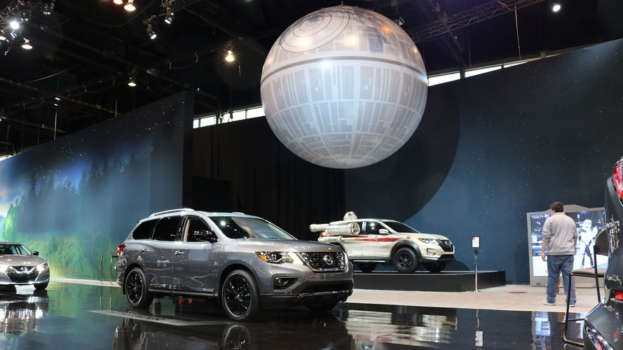 Nissan 2017 Chicago Auto Show Stand