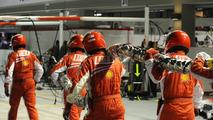 Ferrari to bring back pit 'traffic lights'