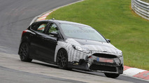 2016 Ford Focus RS hides production front bumper in latest spy photos
