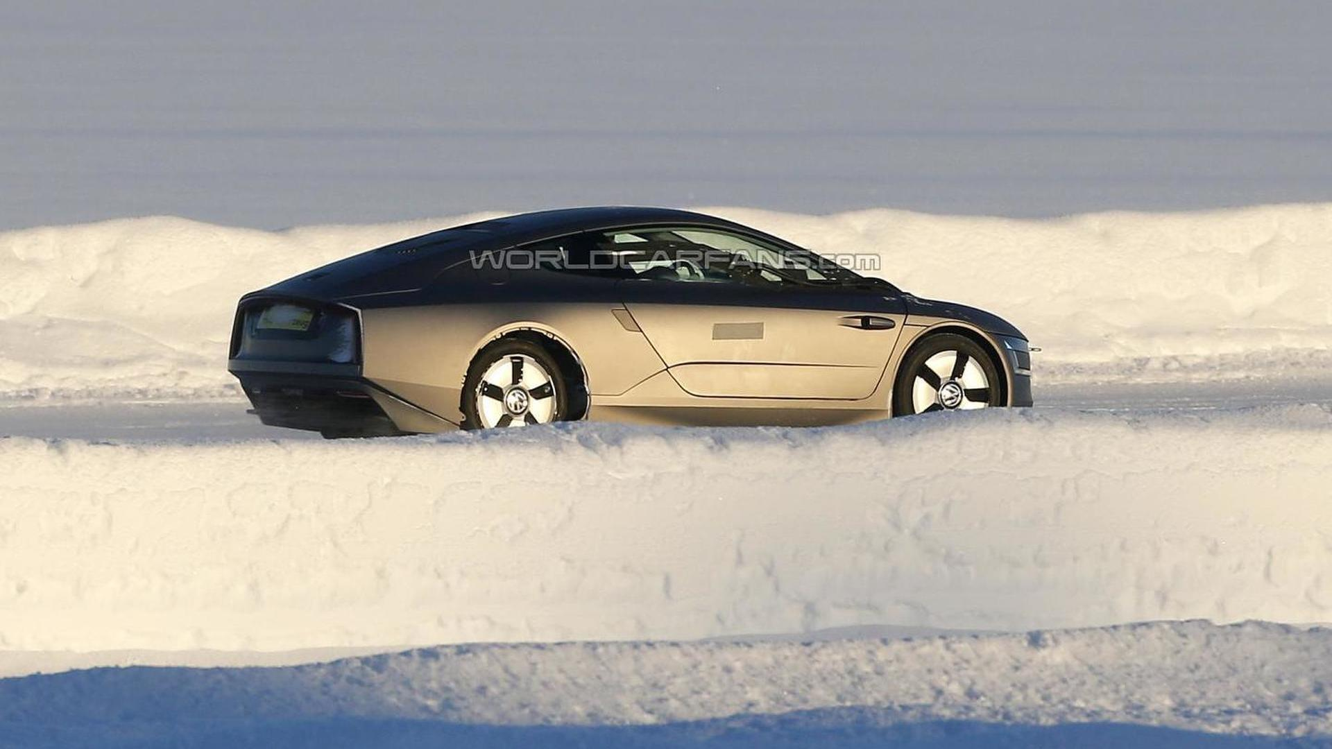 Volkswagen XL1 poses for the camera