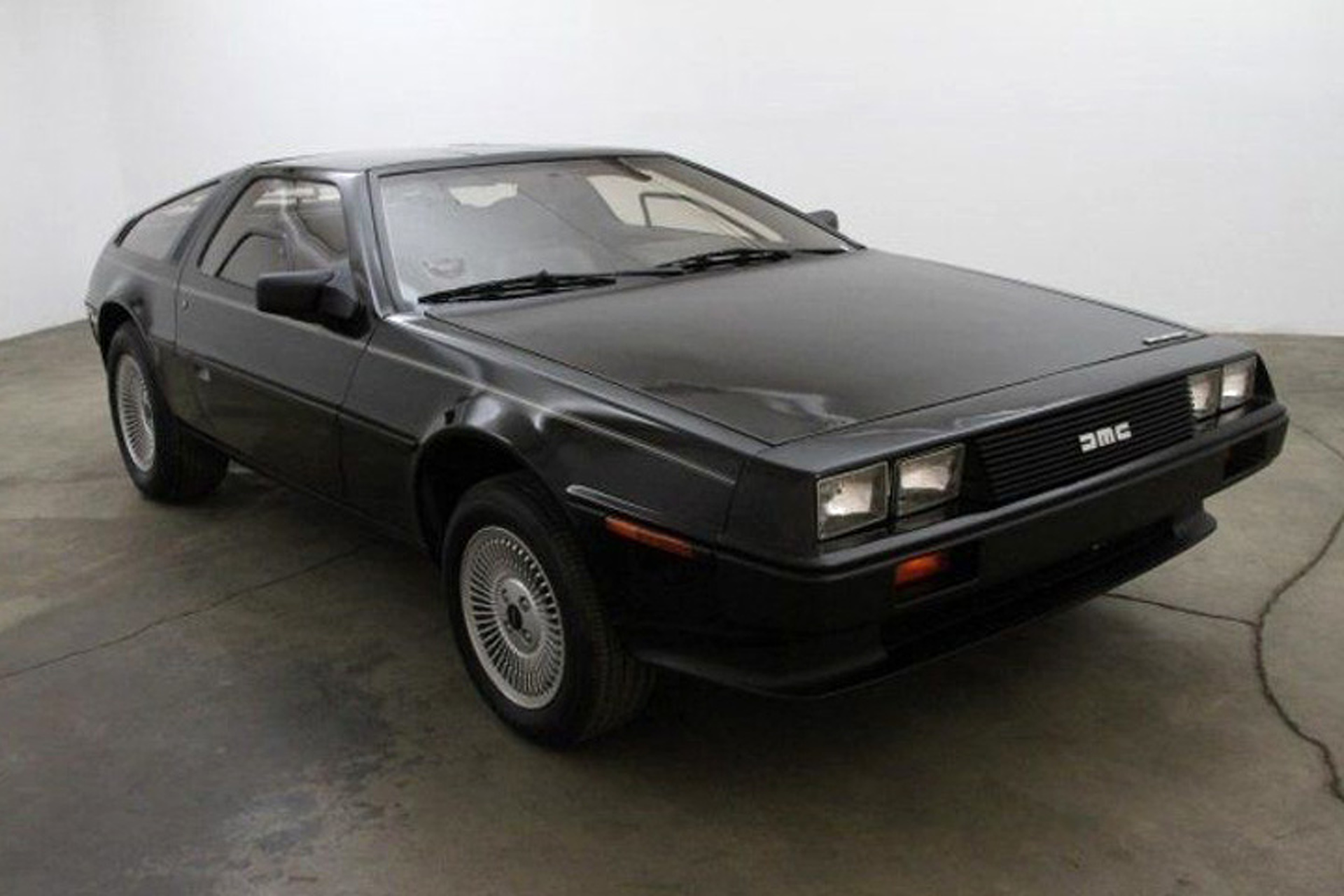 Home Design Games On Facebook This Rare Black Delorean Is A 121 Mile Beauty