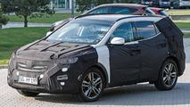 2015 Hyundai Santa Fe facelift spy photo