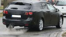 First New Toyota Avensis Wagon Spy Photos