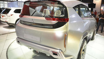 Mitsubishi GC-PHEV concept live in Chicago