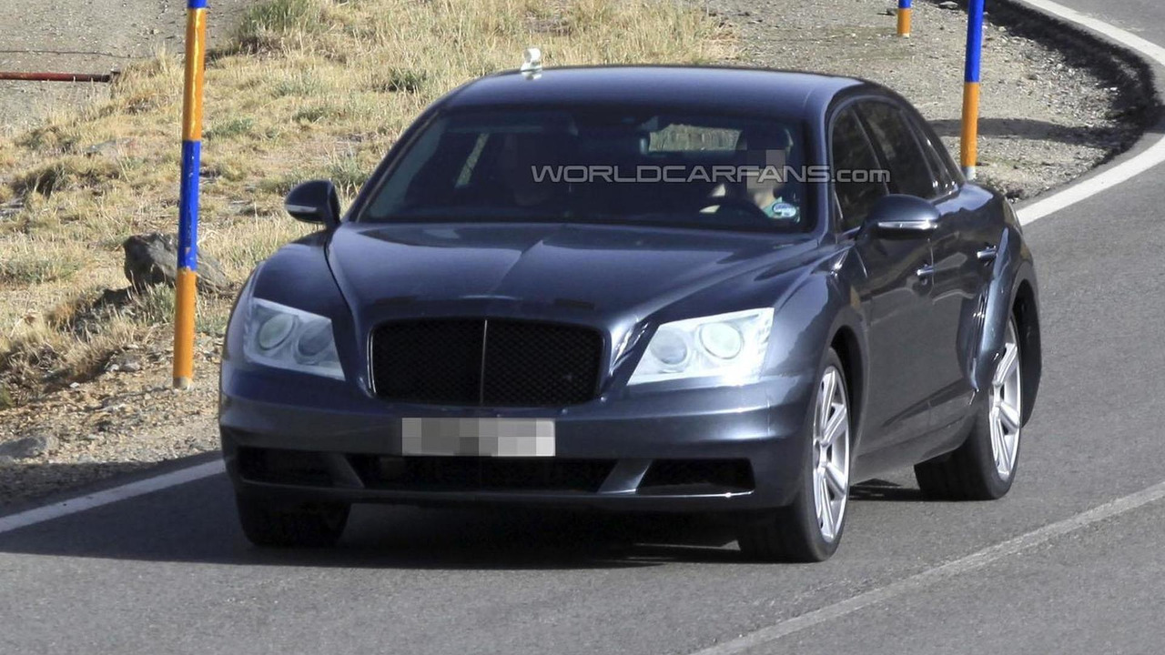 2014 Bentley Continental Flying Spur spy photo 1.8.2012