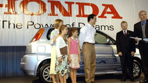 World's First Fuel Cell Family leases Honda FCX