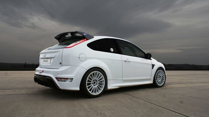 Students Receive Ford Focus RS to Race in 24 Hours of Nurburgring