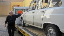 1984 Renault 4 is the new Popemobile