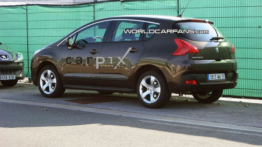 Peugeot 3008 spied without camouflage