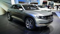 Volkswagen Cross Coupe Concept live in Tokyo 30.11.2011