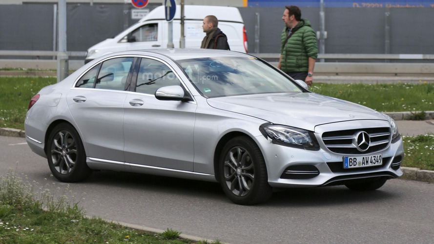 Mercedes C Class facelift spy photos
