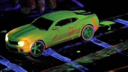 Chevrolet unveils ultra-violet Volt artwork [video]