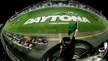Race start: Dale Earnhardt Jr., Hendrick Motorsports Chevrolet leads