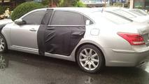 Hyundai Equus LWB with 5.0L V8 spied