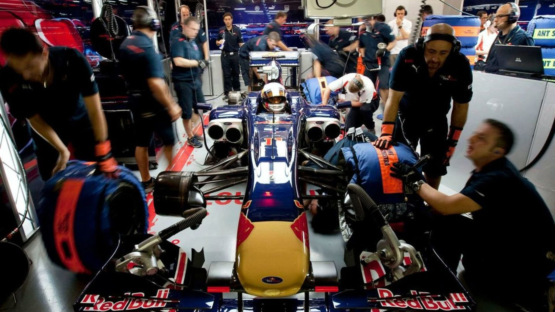 Tost hopes to keep Toro Rosso drivers for 2010