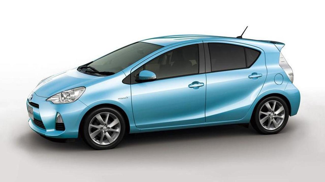 2012 Toyota Aqua - 15.11.2011