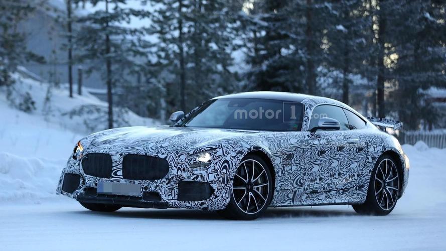 Mercedes-AMG GT-R looks menacing in latest spy photos