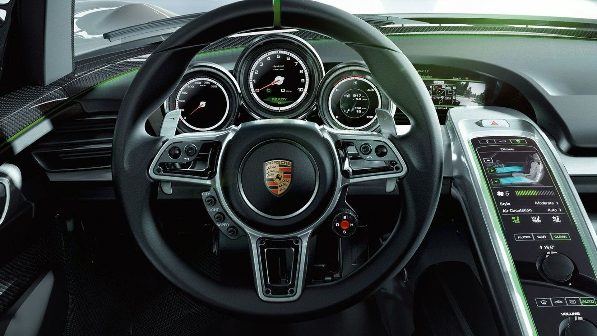 Porsche 918 Spyder in demand with 900 potential customers, production considered