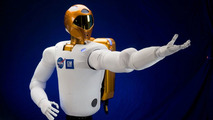 NASA and GM Create Robonaut 2 with Cutting Edge Technology [Video]