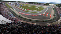 Ecclestone to 'comply with' Hockenheim contract