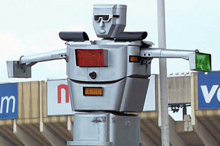 Female Engineer Invents Robot Traffic Cops [w/video]