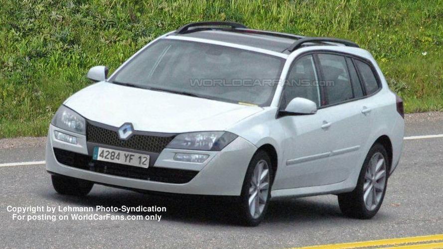 SPY PHOTOS: New Renault Laguna Wagon and Sedan