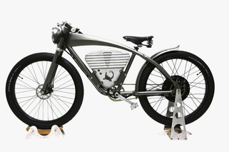 ICON E-Flyer Delivers WWI-Era Style, Electric Cruising
