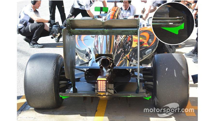 McLaren MP4-31 back wings detail