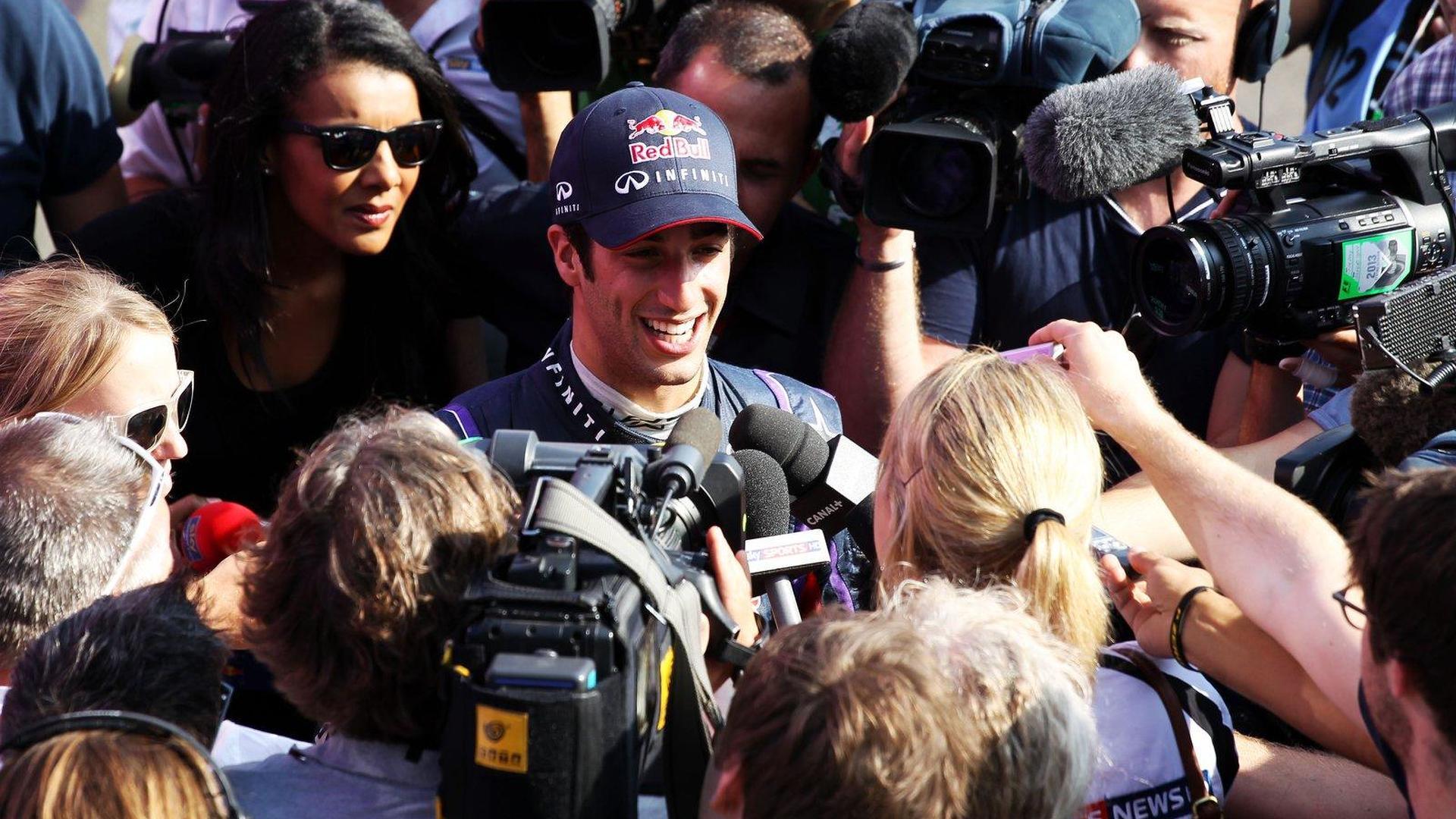 Ricciardo to make own way at Red Bull - Vettel