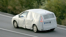 New Renault Scenic Latest Spy Photos & Rendering