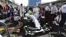 Felipe Massa, Williams FW38 on the grid