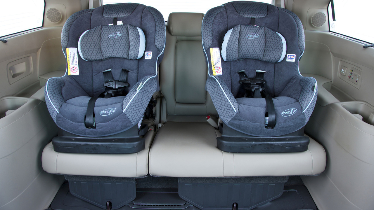 2016 Honda Odyssey rear seats