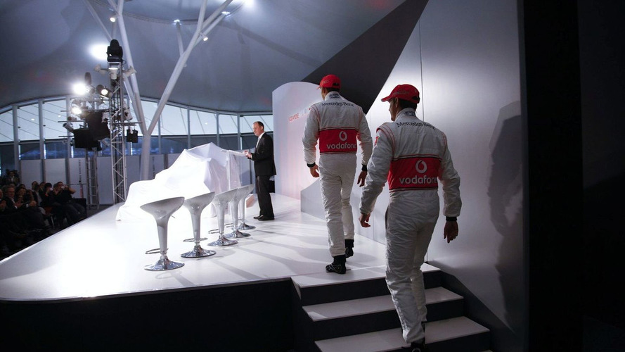 Coulthard expects Button to trail Hamilton