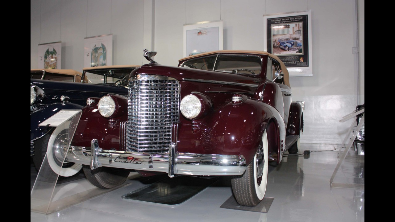 Cadillac V-16 Convertible Coupe