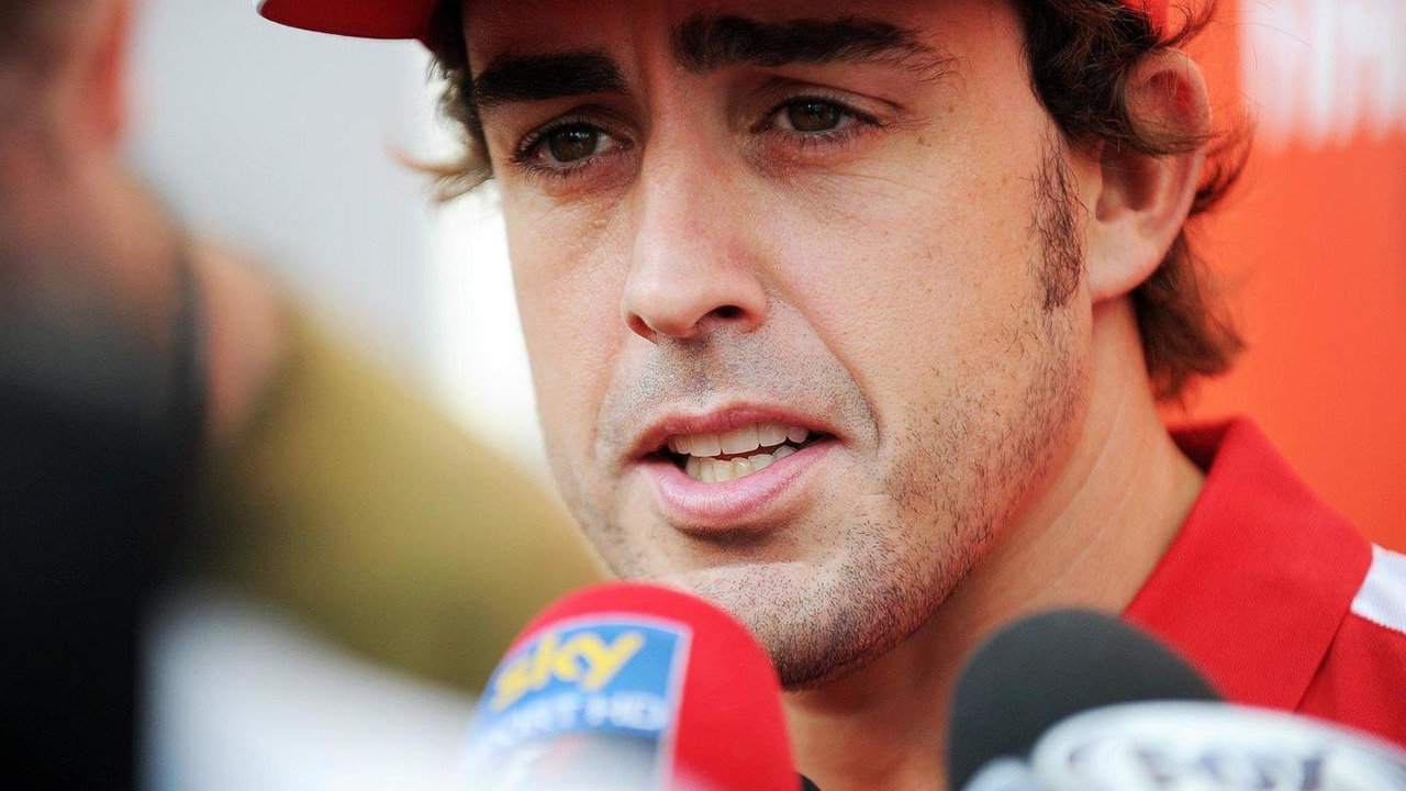 Fernando Alonso with the media 19.09.2013 Singapore Grand Prix