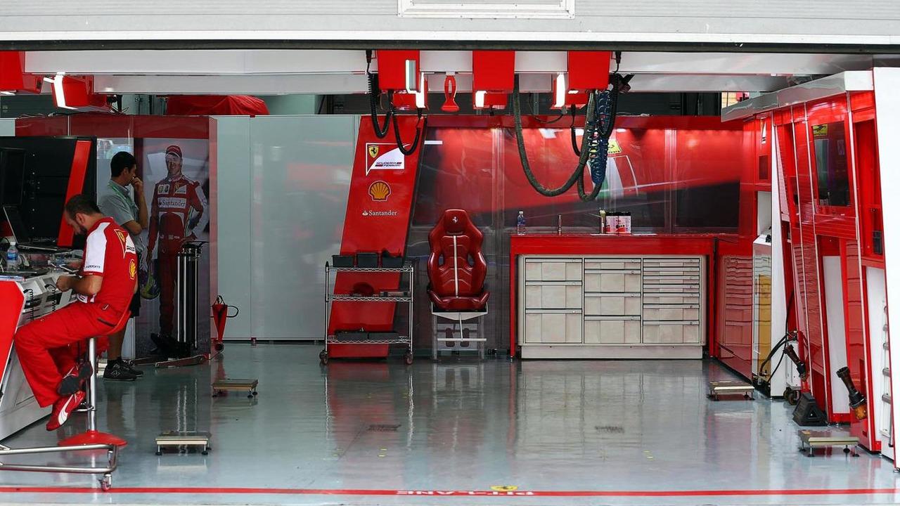 Ferrari pit garage for Felipe Massa 05.10.2013 Korean Grand Prix