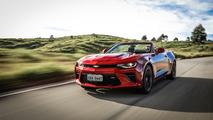 Vídeo avaliação - Chevrolet Camaro Conversível SS promove mudança de hábitos