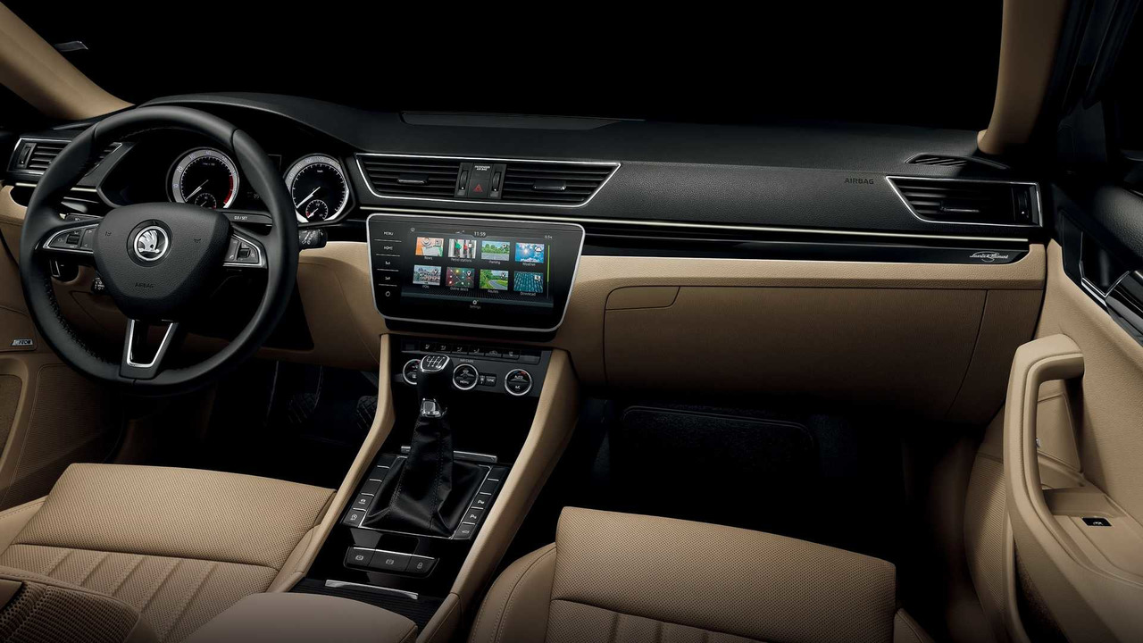 2018 skoda superb gets updated infotainment systems more tech. Black Bedroom Furniture Sets. Home Design Ideas