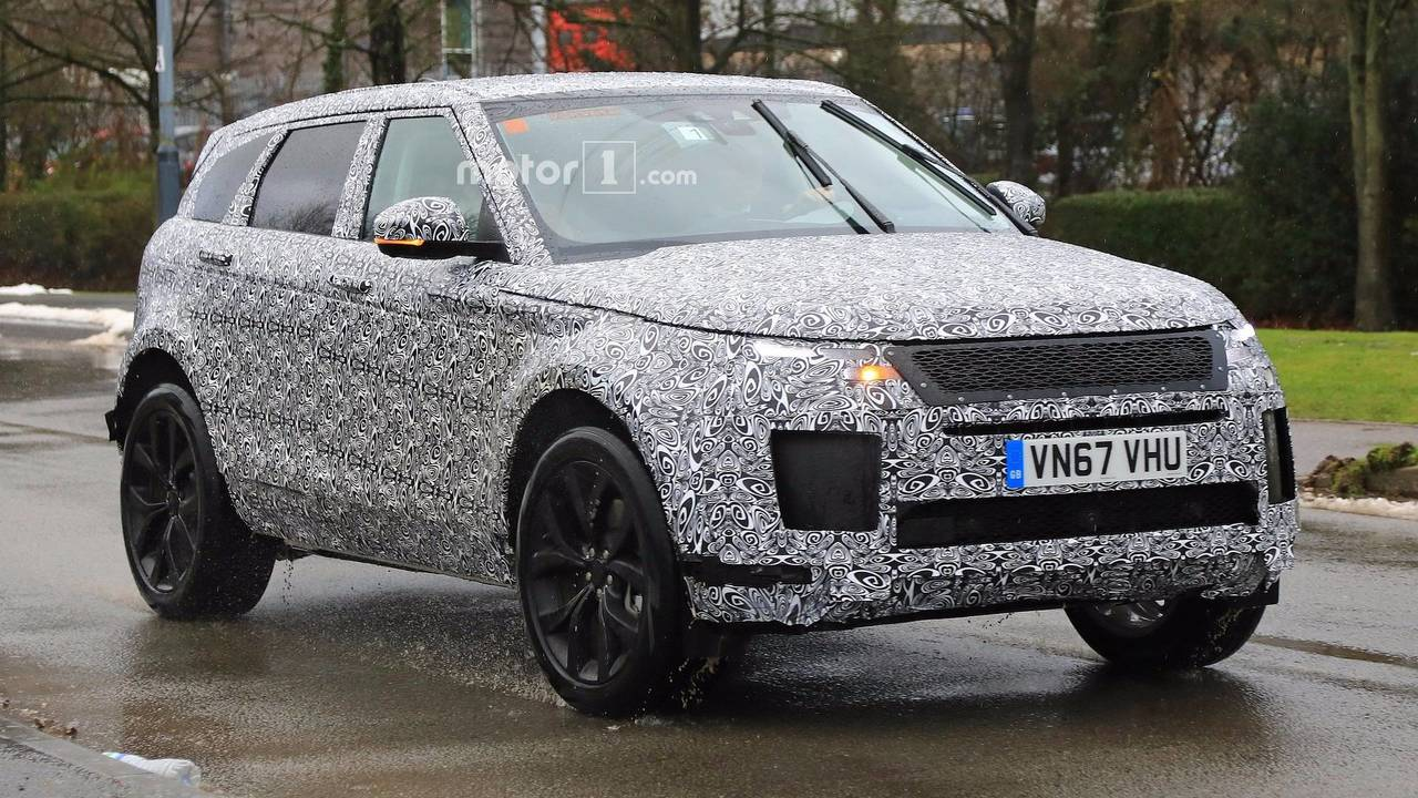 Land Rover Range Rover 2017 Interior >> Heavily disguised 2019 Range Rover Evoque spotted
