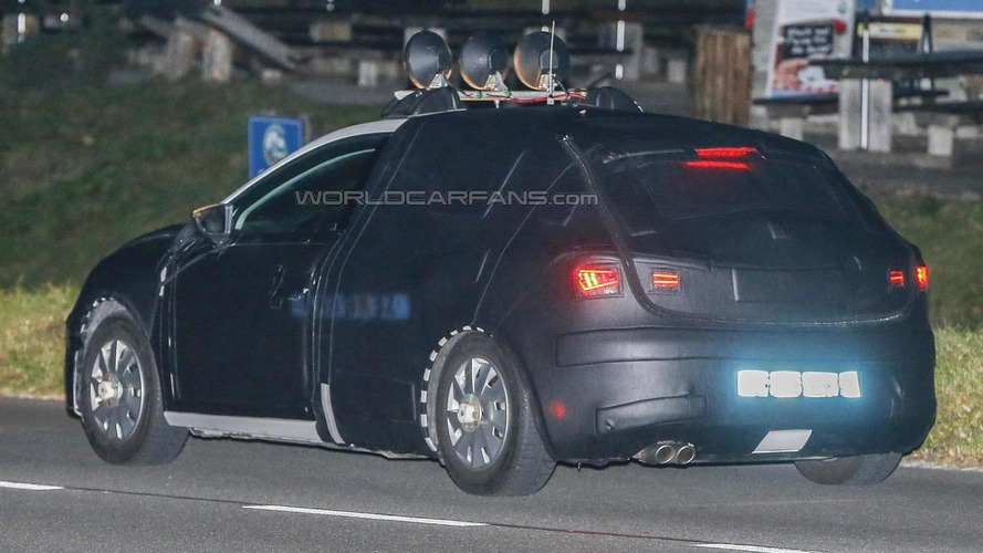 2016 SEAT Leon facelift makes spy photo debut, could have new 1.8 TSI engine