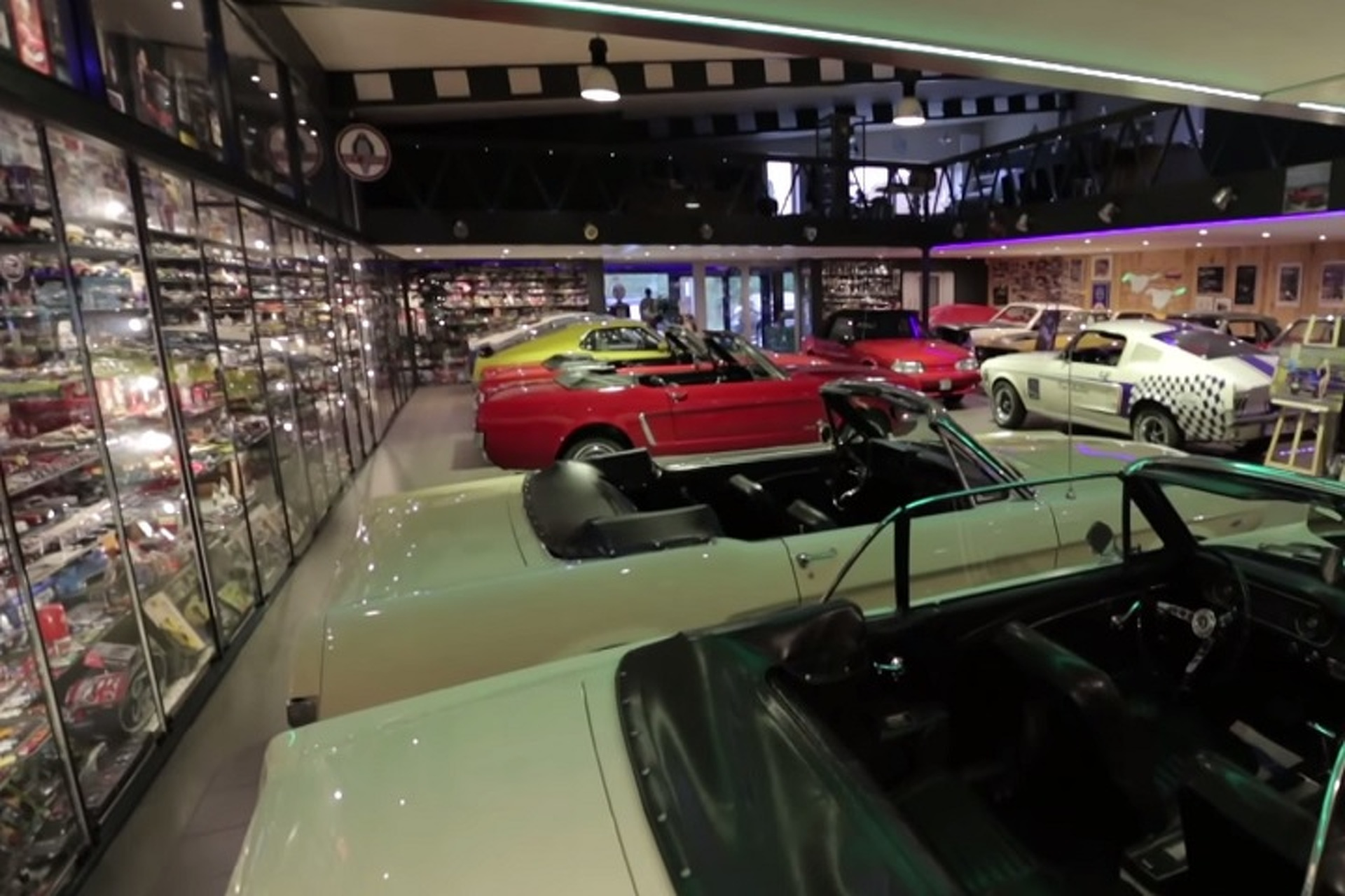 Check Out the World\'s Largest Scale Model Mustang Collection