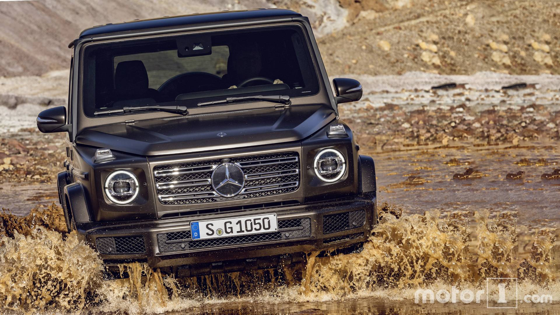 2018 Mercedes Benz G Class See the changes side by side