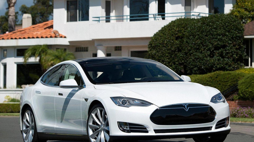 NHTSA receives complaint for Tesla Model S unintended acceleration